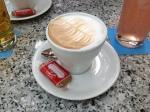Milchkaffee im Ysenegger (© SzeneMuc)